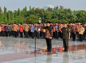 Ketua BPK Pimpin Upacara Ziarah Rangkaian HUT BPK di TMP