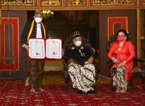 Ketua BPK Agung Firman Sampurna Terima Gelar Bangsawan dari Keraton Surakarta